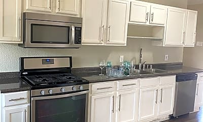 Kitchen, 2904 Laramie St, 0
