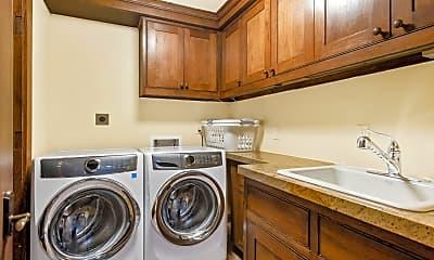 Kitchen, 565 N Starwood Rd, 2