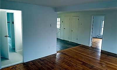 Living Room, 8 N Front St 2, 1