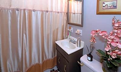 Bathroom, 18 Maitland Pl, 2
