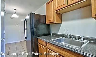 Kitchen, 812 Richmond St, 1