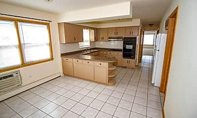 Kitchen, 8527 W Berwyn Ave 1, 1