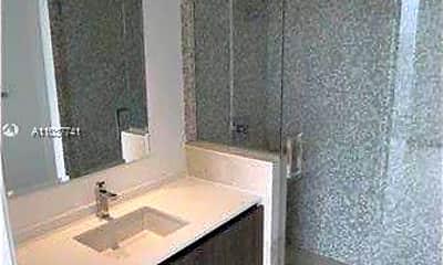 Bathroom, 68 SE 6th St 1012, 2