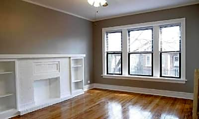Bedroom, 6204 N Hermitage Ave, 2