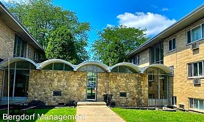 Building, 1610 Woodman Dr, 1