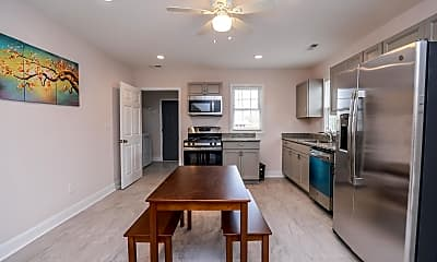 Kitchen, Room for Rent - Colonial Heights Home, 0