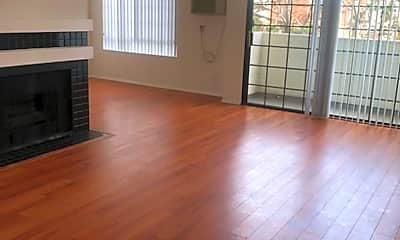 Living Room, 3855 Inglewood Blvd, 1