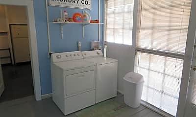 Bathroom, 2624 20th St, 2