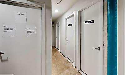 Bathroom, 2529 Frankford Ave 8, 2