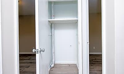 Bathroom, 516 Suburb St, 2