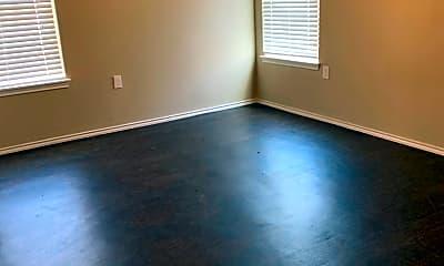 Living Room, 717 E Tulane St, 2