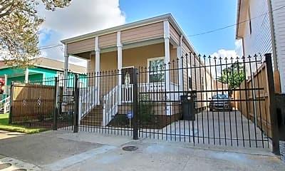 Building, 817 Peniston St, 0