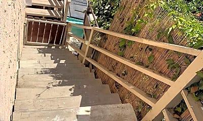 Patio / Deck, 242 E Lewis St, 2