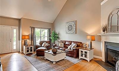Living Room, 5916 Cardinal Lake Dr, 1