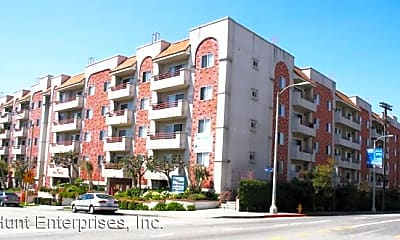 Building, 307 S Reno St, 2