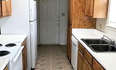 Kitchen, 1404 Saratoga Dr, 1