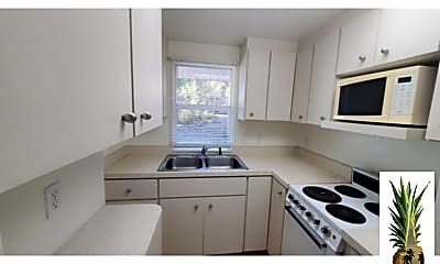 Kitchen, 40 Riverview Ave, 2