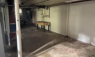 Bathroom, 1711 W University Ave, 2