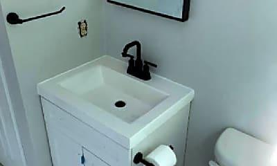 Bathroom, 125 Franklin St, 1