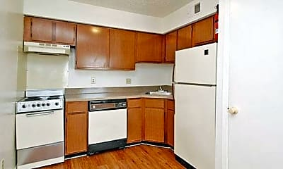 Kitchen, 425 Bernard St, 2