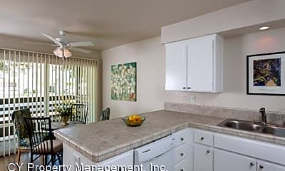 Living Room, 2780 Pillsbury Rd, 2