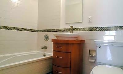 Bathroom, 415 W 22nd St, 2