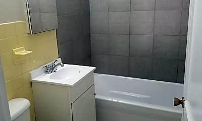 Bathroom, 603 Ripley Ave, 2