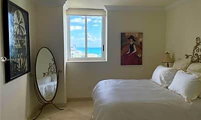 Bedroom, 4779 Collins Ave, 2