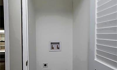 Bathroom, 3924 Trowbridge Ave UP, 2