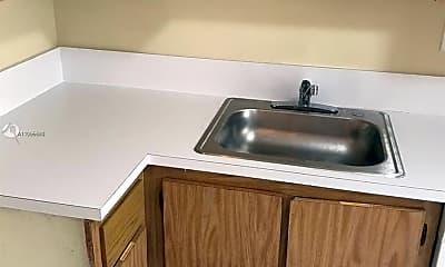 Kitchen, 506 Gardens Dr 102, 1