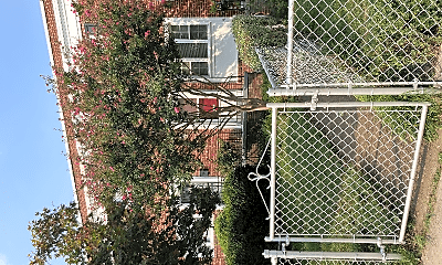 1215 Gibbon St, 2