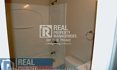 Bathroom, 1320 Woodside Dr, 2