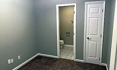 Bedroom, 415 W Vine Ave, 2