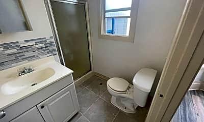 Bathroom, 1321 Peralta St, 2
