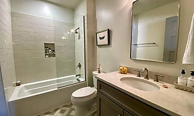 Bathroom, 1215 Louisiana Ave, 2