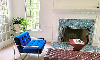 Living Room, 301 Parkknoll Ln, 1