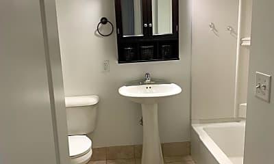 Bathroom, 124 Main St, 2