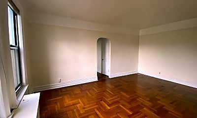 Bedroom, 80 Winthrop St E4, 2