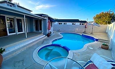 Pool, 4917 Rockford Dr, 1