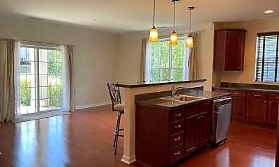 Kitchen, 406 Saratoga Ln, 1