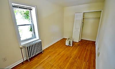 243 W Rittenhouse St 2C, 2