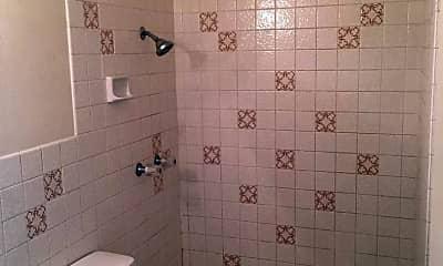 Bathroom, 815 N Major Ave, 2