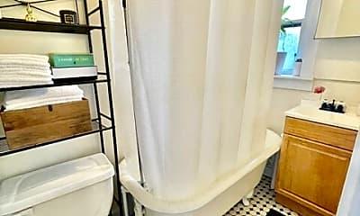 Bathroom, 93 Endicott St, 2