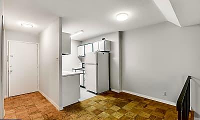 Bathroom, 2201 L St NW 218, 1