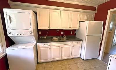 Kitchen, 835 N Garfield St, 1