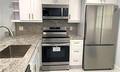 Kitchen, 314 SE 10th St 405, 1