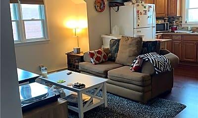 Living Room, 122 Radcliffe Rd UPPER, 1