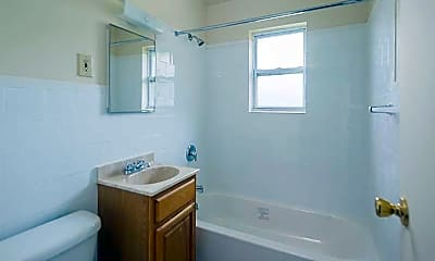 Bathroom, Brookfield Gardens, 2