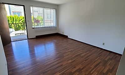 Living Room, 12414 Ambaum Blvd SW, 1