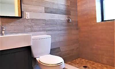 Bathroom, 275 Wayland Ave, 2